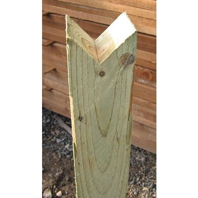 100mm x 100mm Birdmouth Trip Rail Post (Notched)